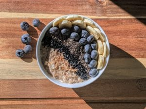 Oatmeal bowl with bananas and blueberries